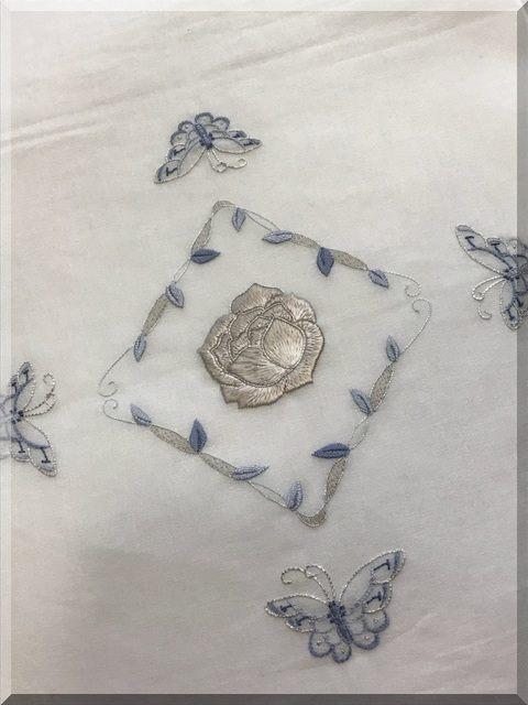 加賀繍・薔薇と蝶文様
