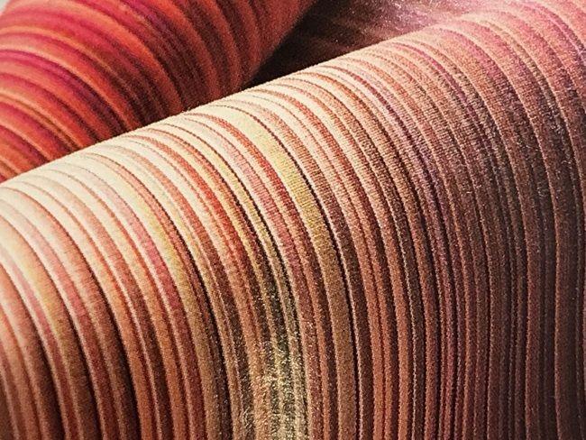 築城則子さんの小倉縞木綿帯・茜染のグラデーション