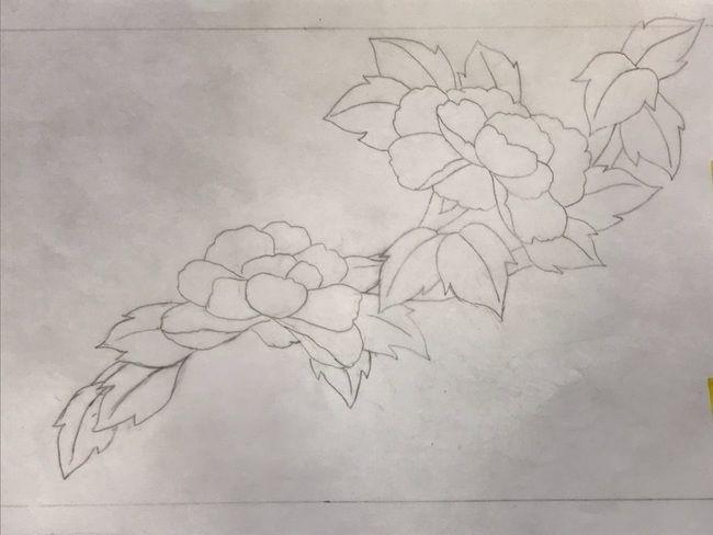 牡丹と蝶の花丸紋の加賀繍の名古屋帯の腹部分の図案・斜めに流れ図案