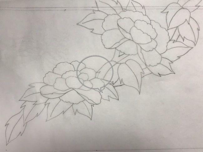 牡丹と蝶の花丸紋の加賀繍の名古屋帯の腹部分の最終形の下絵・斜めに流れ図案②の気になる部分
